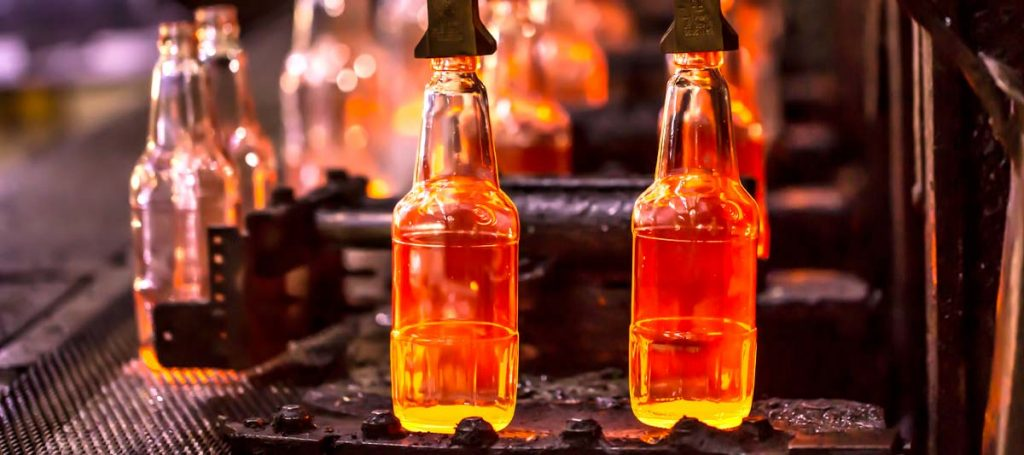 Manufacture of glass bottles